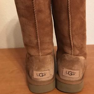 Cute uggs - barely worn, just don't wear them!